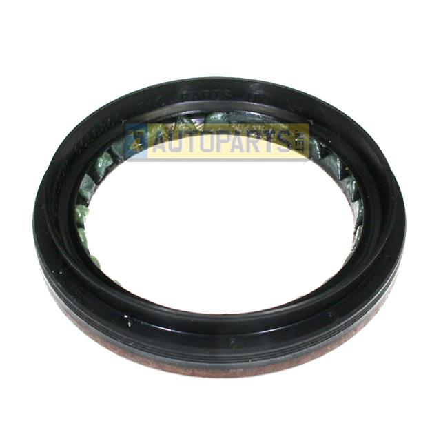 LAND ROVER DEFENDER OIL SEAL MT82 GEARBOX OUTPUT COUPLING PUMA 207 ON