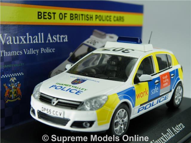Vauxhall Astra Car Model Police Thames Valley 1 43 Scale Corgi Atlas