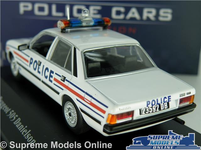 ATLAS Miniature métal Voiture Miniature 1:43 PEUGOT 505 Danielson Police France