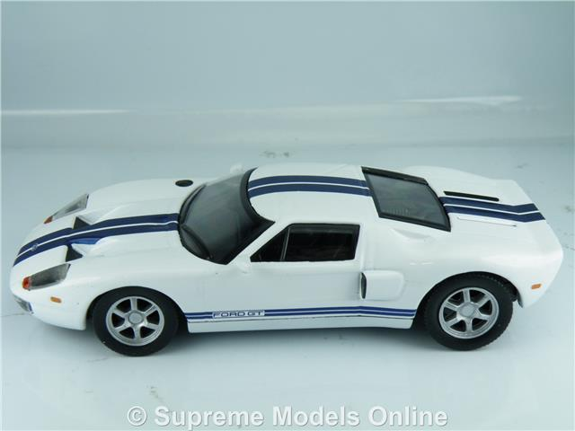 FORD GT40 MODEL CAR 1/43RD SCALE WHITE / BLUE STRIPES COLOUR EXAMPLE T3412Z(u003d) & FORD GT40 MODEL CAR 1/43RD SCALE WHITE / BLUE STRIPES COLOUR ... markmcfarlin.com