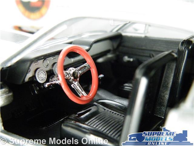 FORD Mustang Eleanor modello auto 1:24 SCALA fuori in 60 secondi grandi Greenlight K8