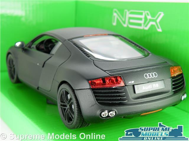 AUDI R8 Coupe Coche Modelo Escala 1:24 Negro Welly apertura piezas grandes deportes K8