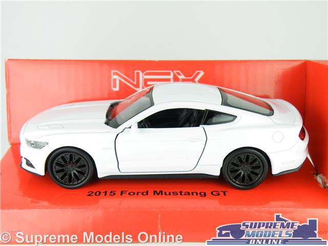 2015 FORD MUSTANG GT CAR MODEL 1:38 SIZE WHITE COUPE WELLY NEX NEW SHAPE T3