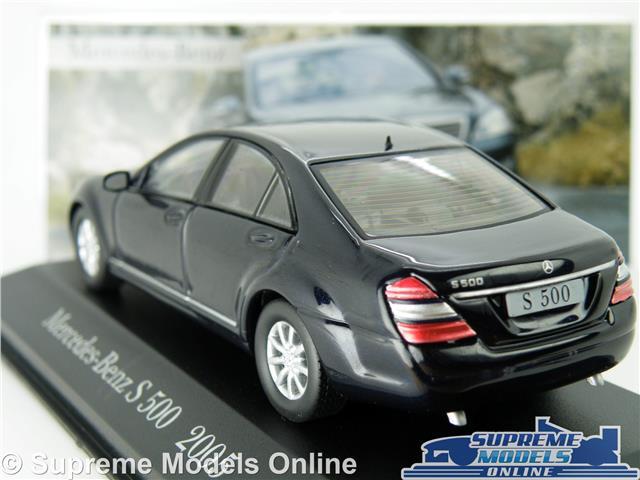 MERCEDES BENZ CLK 350 MODEL CAR 1:43 SCALE DARK BLUE 2005 IXO CONVERTIBLE K8