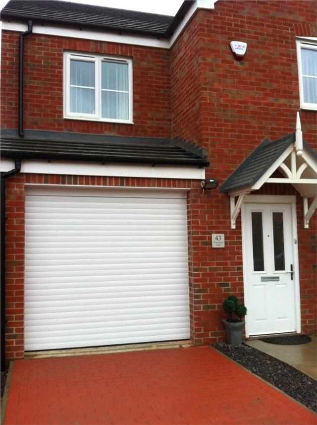 Remote Control White Insulated Roller Shutter Garage Door With