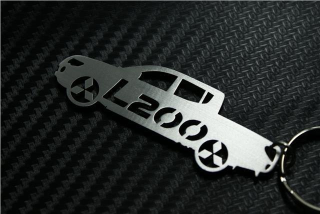 PAJERO KEYRING GLS V6 3.0 DI-D SUV