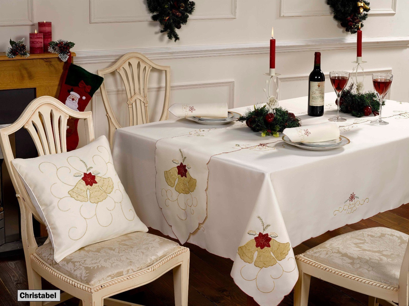 Christmas tablecloths table runner napkins or cushions for Style my bedroom