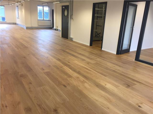 18mm Oak Engineered Flooring Real Oak Wood 5mm Veneer