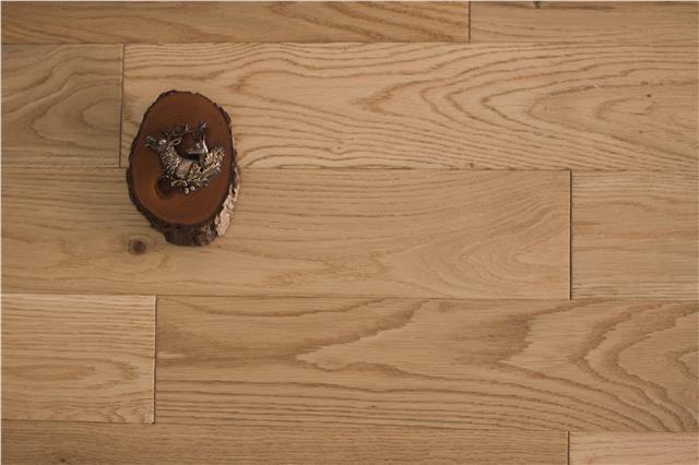 Engineered Herringbone Unfinished Oak Flooring 15mm x 3mm x 100mm Real Wood