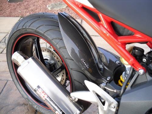 Triumph 1050 Speed Triple Carbon Rear Hugger 2011 18 Plain Gloss